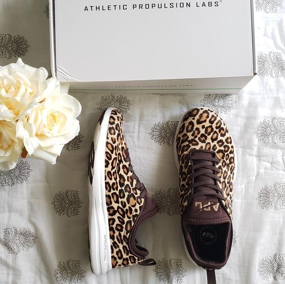 Apl Techloom Phantom Cheetah Sneaker
